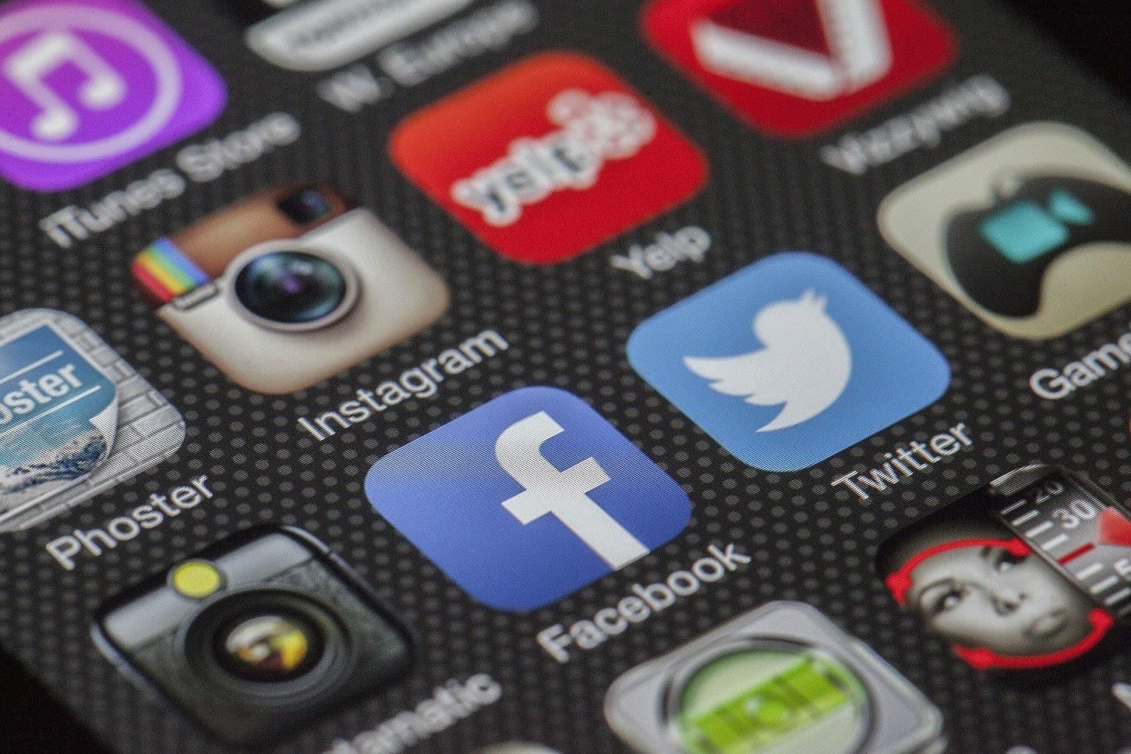 Como Descobrir o Número de Alguém Pelo Facebook